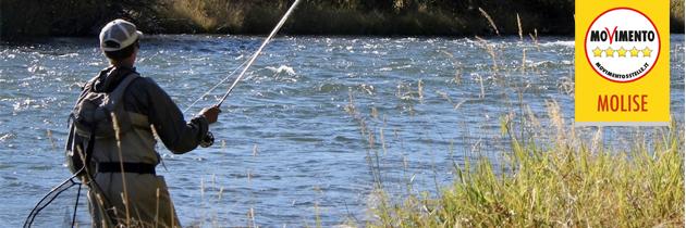 Pesca sportiva: la Regione alza la tassa ma azzera i fondi