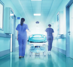 Sanità pubblica, il centrodestra si volta dall'altra parte