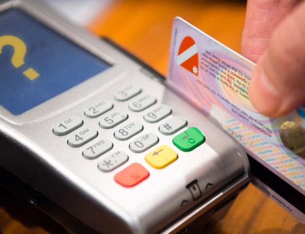 Carte di credito Regione, Toma nasconde come sono utilizzate