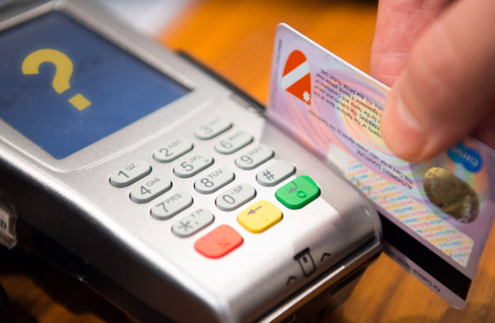 carte di credito fantasma, giunta Toma
